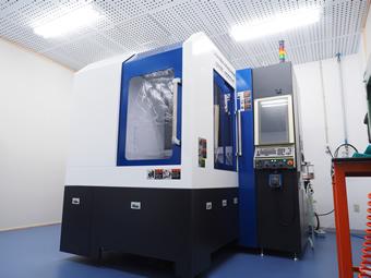 超精密立形加工機 芝浦機械 UVM-450D(H)
