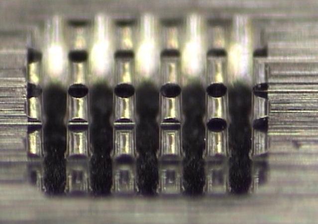 ボス形状削り Φ0.1mm ×高さ0.2mm NAK80