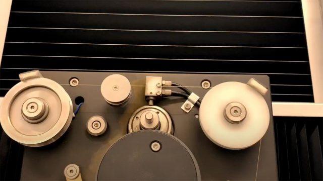超精密ワイヤー放電加工機(水/油対応)